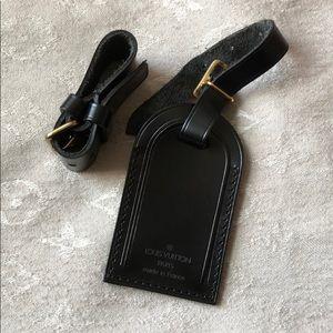 Louis Vuitton black luggage tag w poignet RARE!